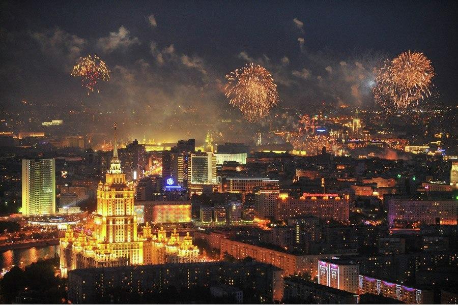 Салют со смотровой площадки Москва Сити